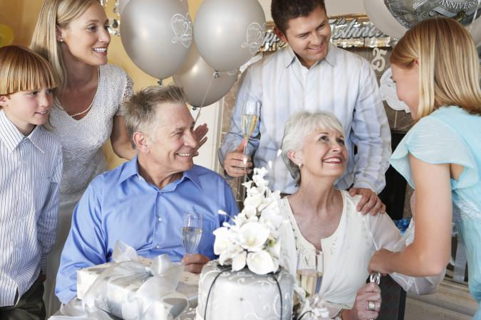 211392-675x450-Family-Having-a-Party